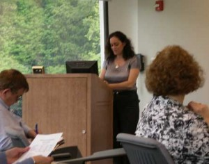 Diane Dolinsky-Pickar speaking on social media, at a Job Club